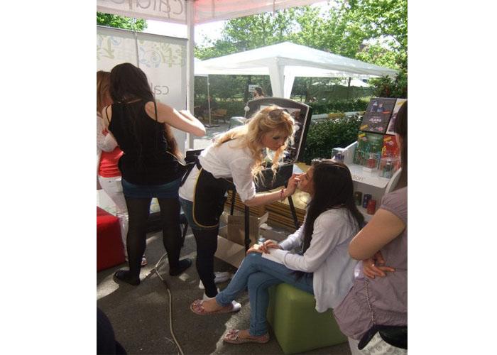 Hunca Unifest Marmara Üniversitesi Makyaj Uygulamasıi